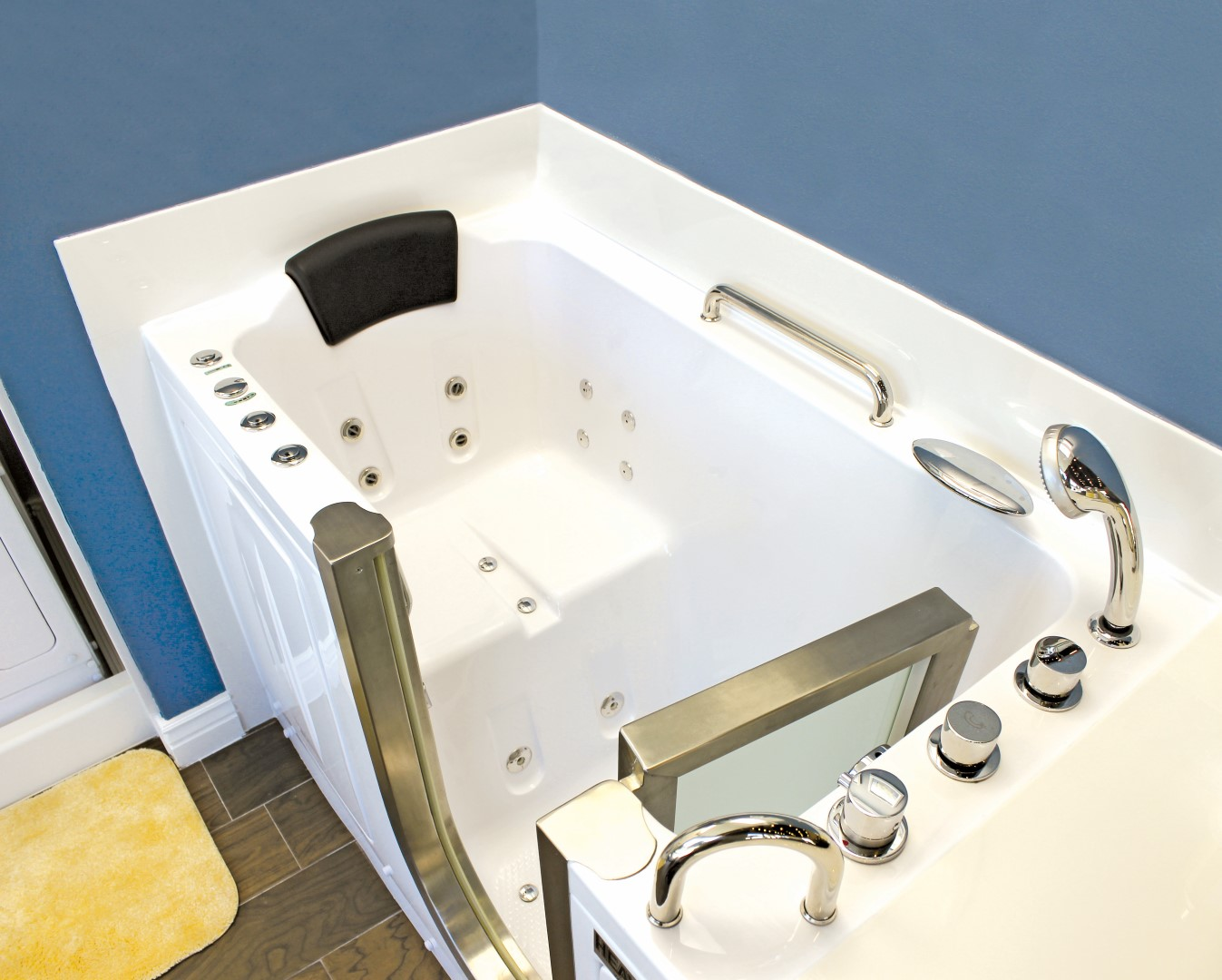 comfort items complement portable bathtubs