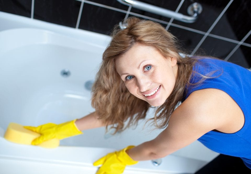 cleaning strategies walk-in bathtubs